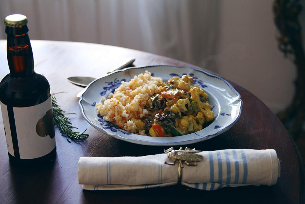 Curry de coliflor y lombarda_LadyVegan